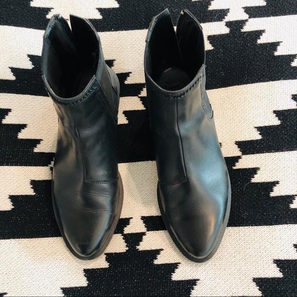 71251a7ac52 Dr. Martens Shoes - Doc Martens Zillow boot